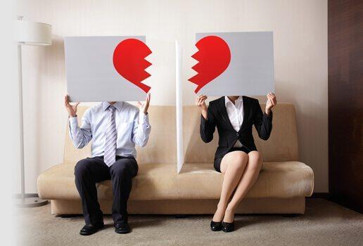 divorce-couple-couch-toronto